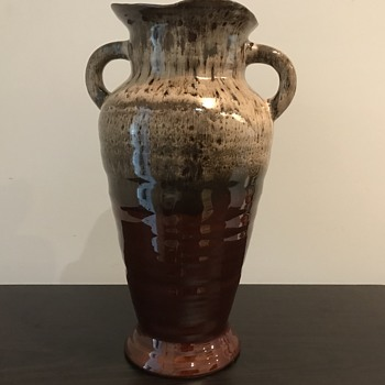 Haeger Pottery vase 16 inches - Pottery