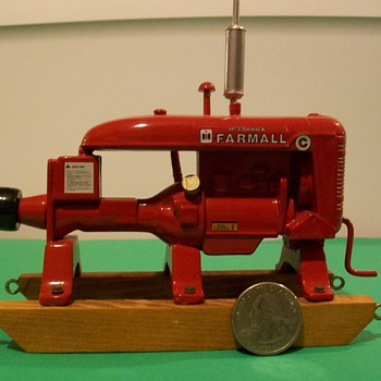 Farmall C powerplant