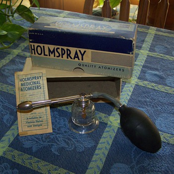 1950's HOLMSPRAY Throat and Nasal Atomizer, No. 600.