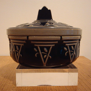 STEINWARE BOX - MARZI & REMY. - Pottery