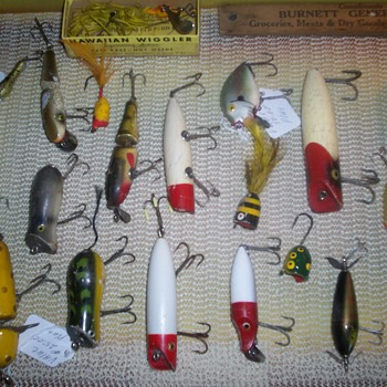 COLLECTION OLD FISHING LURES - Fishing