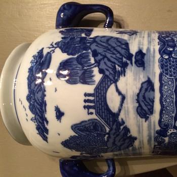 Victoria Ware? - Pottery