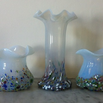 3 Kralik harlequin frit uv glass vases - Art Glass