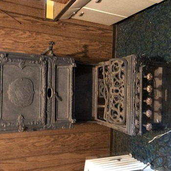 Cast iron stove and oven - Kitchen