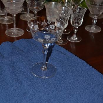 Help identifying patterns - #5 - Glassware