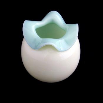 Stourbridge Victorian Custard Spittoon Folded Rim - Art Glass