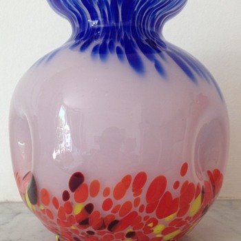 Kralik pink opalescent ball form vase with spatters - Art Glass