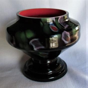 Familiar Kralik Glass Millefiori Decor on a Familiar Kralik Glass Lidded Jar, lid missing. No Mark. - Art Glass