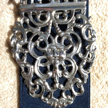 Devils Head Nurses Buckle - Silver