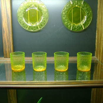 Assorted  Pukeberg Glass