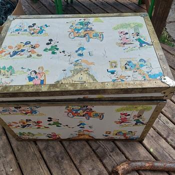 Union trunk disney - Furniture