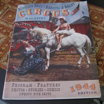 CIRCUS PROGRAM MAGAZINE CIRCA 1944 - Paper