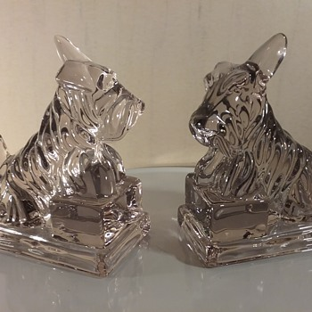 Cambridge by Imperial Glass Scottie dog bookends  - Animals