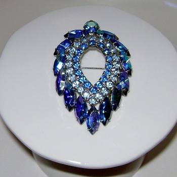 Sarah Coventry Brooch - Blue Lagoon - Costume Jewelry