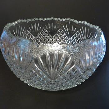 L E Smith 57014P Punch Bowl set - Glassware
