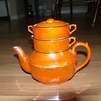 Tea Pot Made in Czeche Slovakia - China and Dinnerware