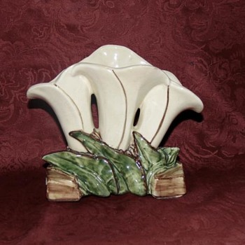 Mccoy Triple Lily Vase - Pottery