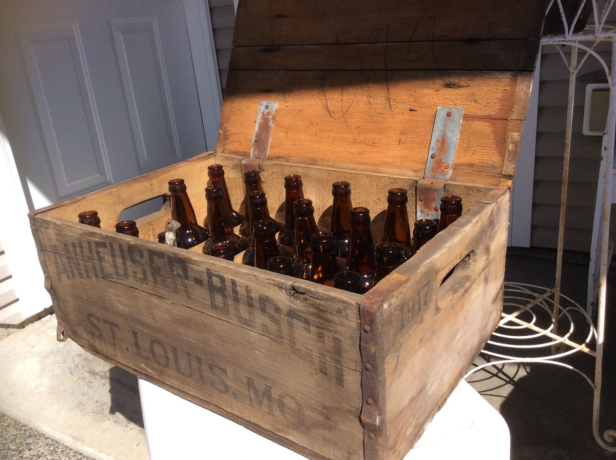 1917 Anheuser Busch Beer Crate and Bottles | Collectors Weekly
