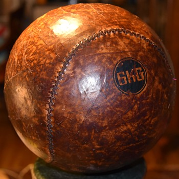 6 Kilo Medecine Ball - Sporting Goods