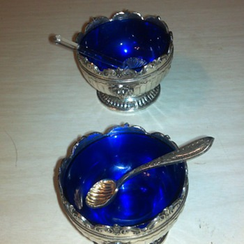 Beautiful pair of Salts I think there called? - China and Dinnerware