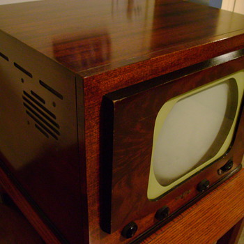 Old T.V. 1940's - Radios