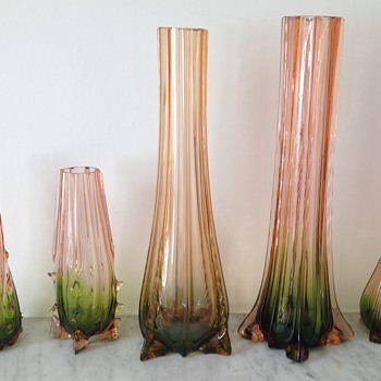 Rubina verde group - early submerged / somerso  - Art Glass