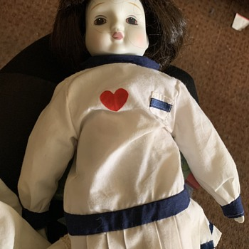 Help - looking for any info on this doll - Dolls