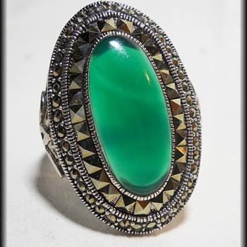 Art Deco Marcasite Chrysoprase - Sterling Silver Filigree Ring ?? - Art Deco