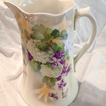 Hydrangeas pitcher - China and Dinnerware