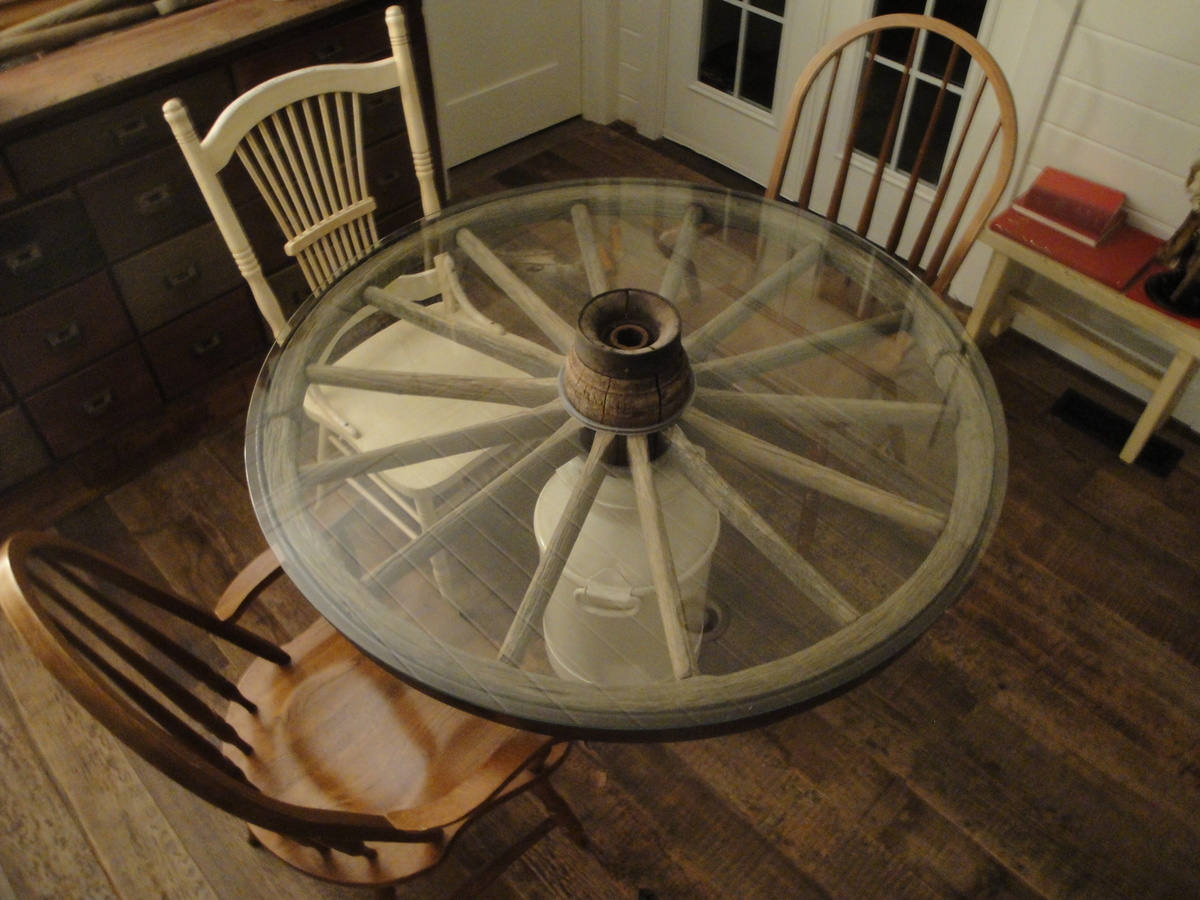 Wagon Wheel Table Before Amp After Collectors Weekly