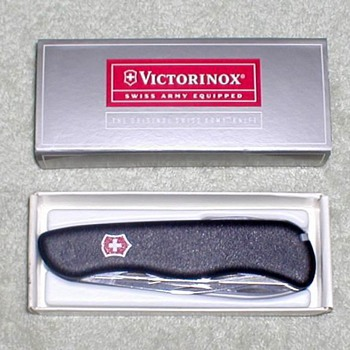 "2000 - Victorinox ""Fireman's"" Pocket Knife - Tools and Hardware"