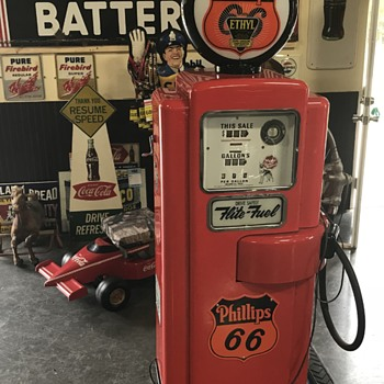 Phillips 66 gas pump  - Petroliana