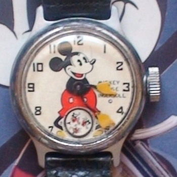 A very nice 1934 Ingersoll Mickey with original leather strap - Wristwatches