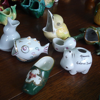 Big collection of small dishes for olive pits - Pottery