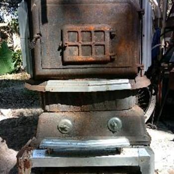 Old cast iron stove - Kitchen