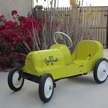 BMC Racer Pedal Car - Model Cars