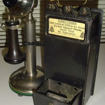 W.E. #14 coin collector with 20-B desk stand - Telephones