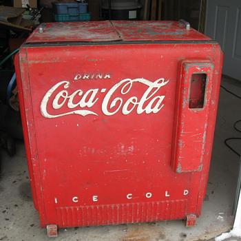 1940 Westinghouse Standard Coca Cola Cooler - Coca-Cola