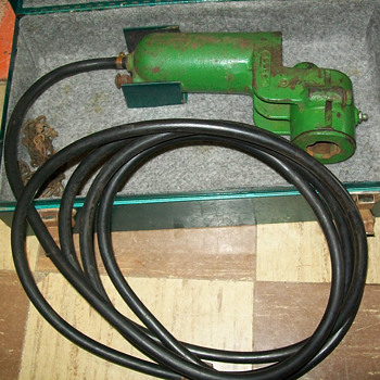1950's John Deere tire pump - Tools and Hardware