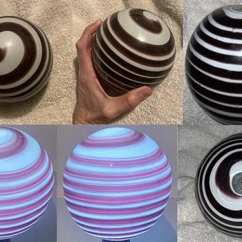 Big heavy glass swirled sphere with flat bottom - Art Glass