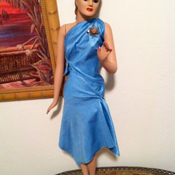 Can anyone help me ID this mini mannequin from the 1940's?? - Advertising