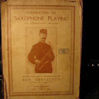 Saxophon Playing 1917