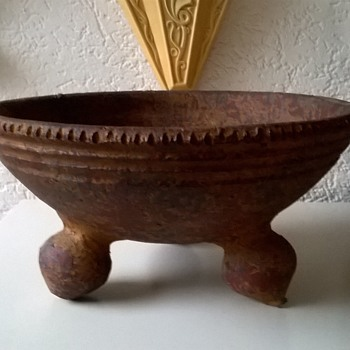 Archaeological Museums Don't Know What It Is....Thrift Shop Find 1,50 Euro ($1.56)  - Pottery