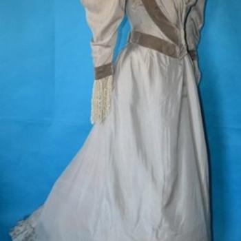 Magestic La Belle Époque Victorian Silver Silk Dress - Victorian Era