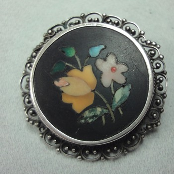 Floral Pattern Pietra Dura brooch in Silver Setting - Fine Jewelry