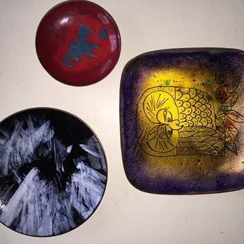 help identifying these 3 enamel copper dishes - Fine Art