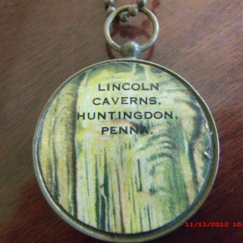 Old Lincoln Caverns Souvenir Compass from my Local History Collection - Advertising