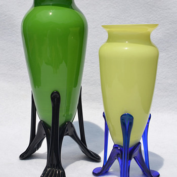Czechoslovakia Deco Era 'Tango' tripod vases - Art Glass