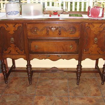 6 leg walnut buffet - Furniture