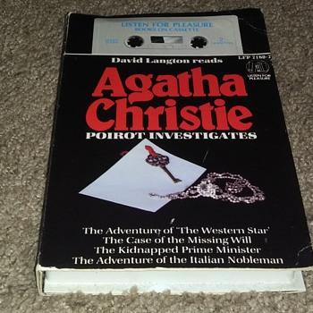 NOVELIST AGATHA CHRISTIE - Books
